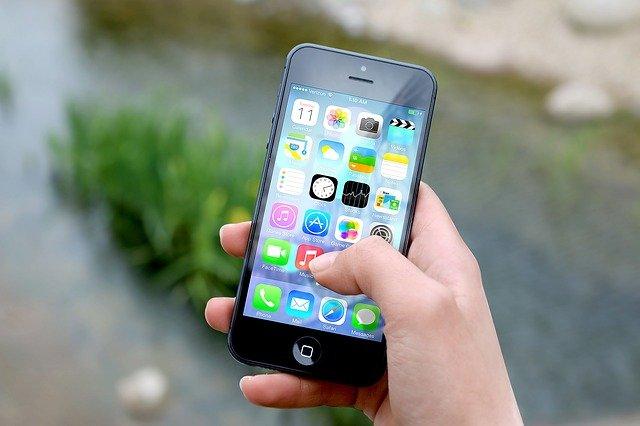 Můžeme ušetřit na mobilním tarifu?