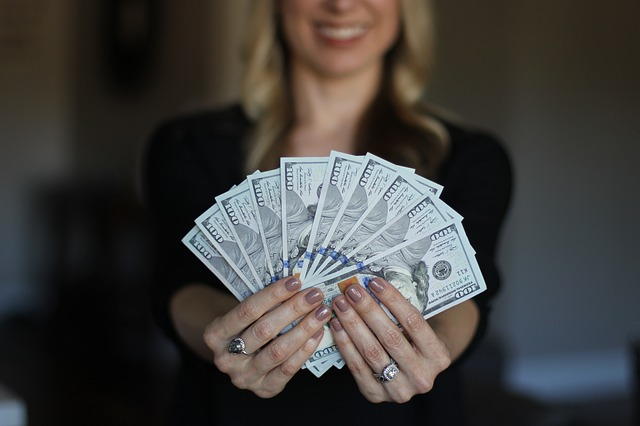 blondýny bankovky.jpg