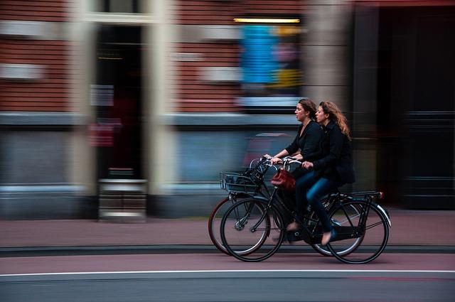 cyklistky ve městě.jpg