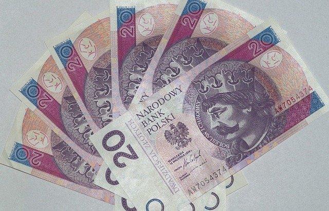 vějíř polských bankovek, zloté