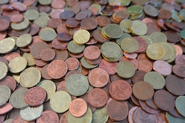 drobné kovové mince, centy